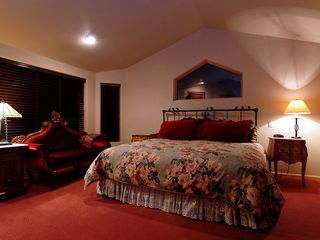Four O'Clock Breckenridge house photo - Milano Meadows - Buffalo Rose Suite, sleeps 2 in one king bed, ensuite bath