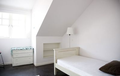 Smaller bedroom with 1 or 2 single beds.