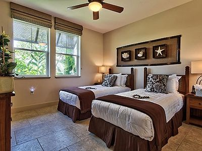 Guest bedroom of our oceanfront Haliikai vacation rental