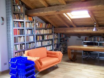 Loft-library (3rd bedroom) upstairs