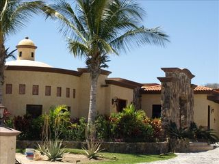 San Jose del Cabo house photo - Enjoy the warm tropical breeze in comfort.