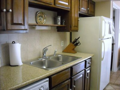 Granite counters in fully equipped kitchen