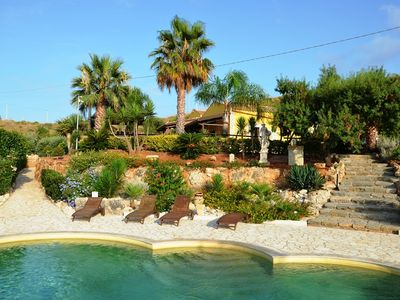 Beautiful farmhouse for 14 persons with big pool and stunning sea views