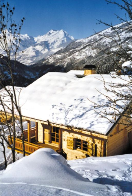A magnificent wooden chalet, offering exceptional views