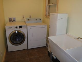 Chamberlain cottage photo - Laundry room