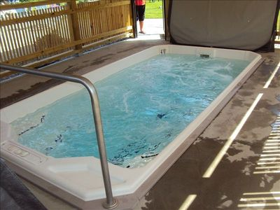 Outdoor hot tub open all year