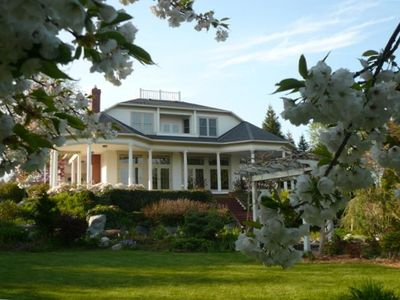 Villa Luna with Cherry Blossoms in Bloom