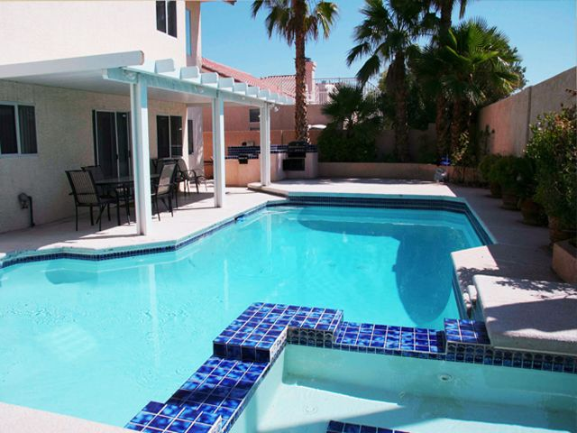 Rental vacation house near las vegas strip vrbo for Vacation rentals with private swimming pool