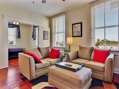 New Listing! Beautiful 1BR New Orleans Condo - Prime Location on Mardi Gras Parade Route & Streetcar Line w/Great Views & Complex Amenities Access!