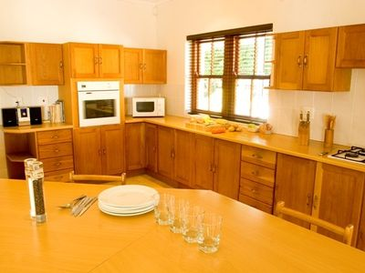 Hermanus chateau / country house rental - Kitchen