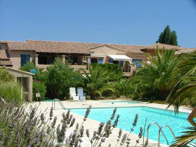 Beautiful private villas near Ste Maxime/St Tropez with shared pool/near beach