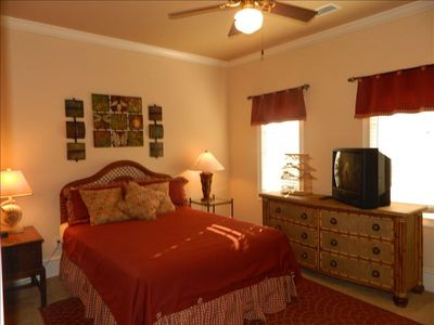 2nd Floor Bedroom w/ Queen Bed, TV, & ceiling fan