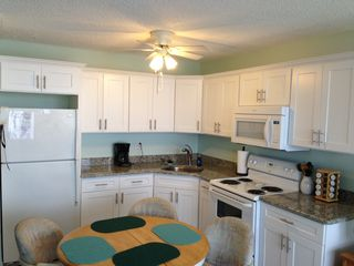 Fort Myers Beach condo photo - New kitchen with granite countertop