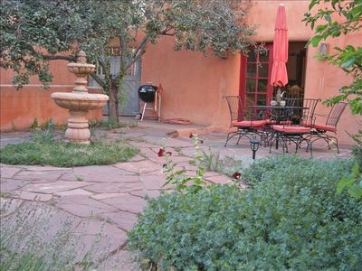 Adobe Home with flagstone patio, Fountain, Private Hot Tub,  walking  to Plaza,