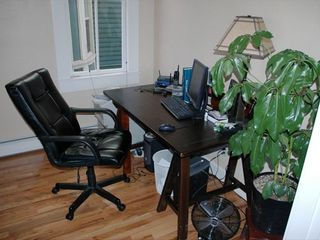 Nice office area for getting email - Colorado Springs house vacation rental photo