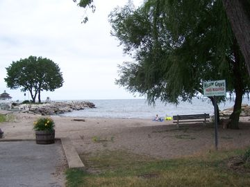 Willow Grove Beach -- short two-block neighborhood walk