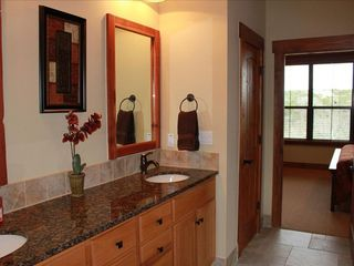 Jonestown cottage photo - Master Bath