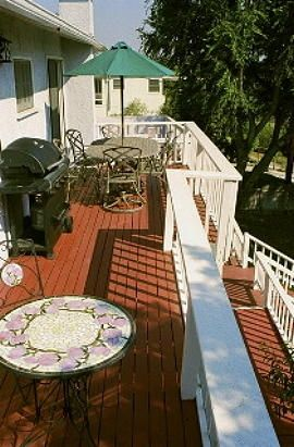 Upper Deck with Grill and Outdoor Dining