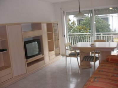 Centric apartment with balcony and parking just 5 minutes from the beach