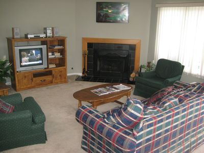 Lake Geneva condo rental - Living Room-Cable TV/Wireless Internet/DVD