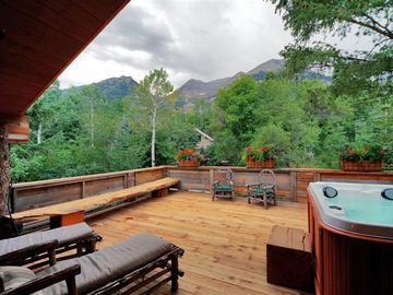 Huge deck with luxurious hot tub and stunning views of Mt. Timpanogos.