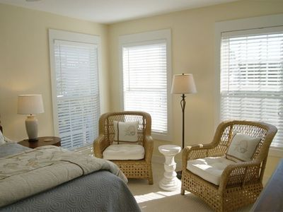 Tybee Island house rental - Light and airy queen master with sitting area on third floor