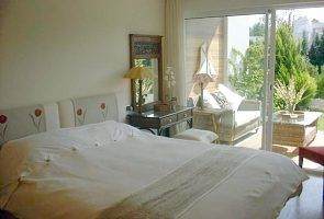 Bellresguard apartment rental - Eneas master bedroom and sun terrace