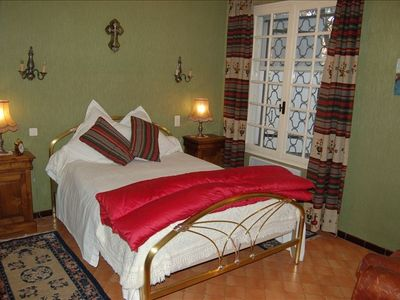 Double bed, ground floor bedroom