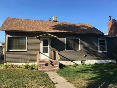 Cozy cottage sleeps 7 in Greybull WY with Wi-Fi and DirecTV