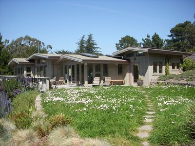 Fabulous green getaway in bolinas lavender hill vrbo for Vacation rentals san francisco bay area