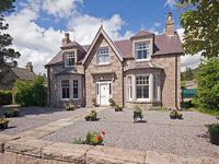 GRANVILLE, pet friendly, with a garden in Ballater, Ref 913393