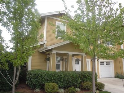 Sonoma townhome rental - Craftsman Style home just 4 blocks from the Sonoma Square