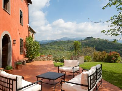 1800s Lucca country house completely renovated and top-furnished in 2013