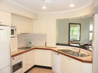Clifton Beach villa photo - Large Gourmet Kitchen With View Overlooking The Beach