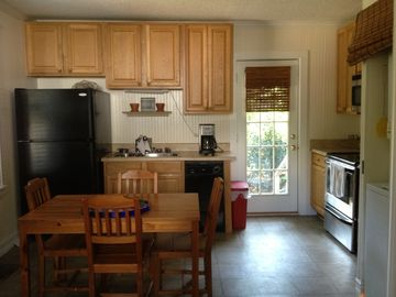 Beaufort cottage rental - Kitchen with everything you need