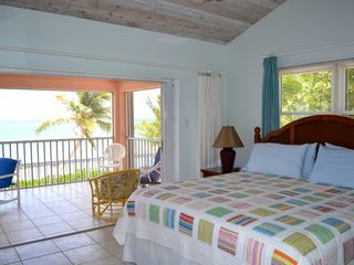 Grand Cayman villa photo - Oceanfront King Bedroom #2