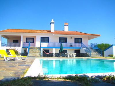 AMAZING HOLIDAYS in an AWARDED VINEYARD REGION!!Totally private