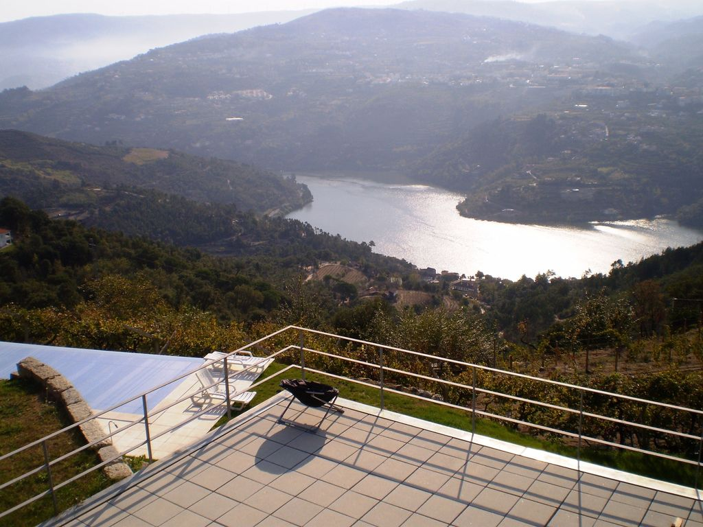 House in organic farm with private pool and stunning views of the Douro River