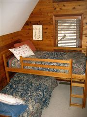 Carnelian Bay cabin photo - Bunk room in Lookout