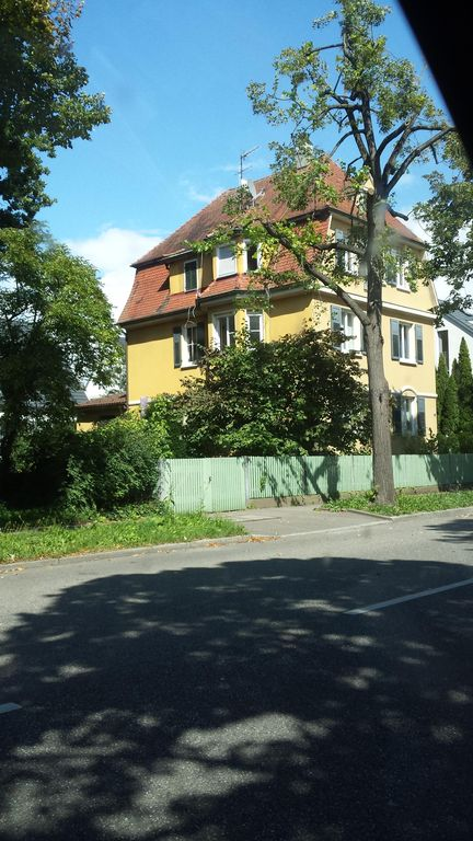 3 bedroom Jugendstilwohnung near the castle
