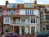 BIRCH HOUSE, family friendly, with a garden in Cromer, Ref 18650