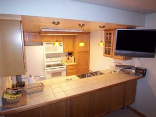 Mammoth Lakes condo photo - Full kitchen and Flat screen TV