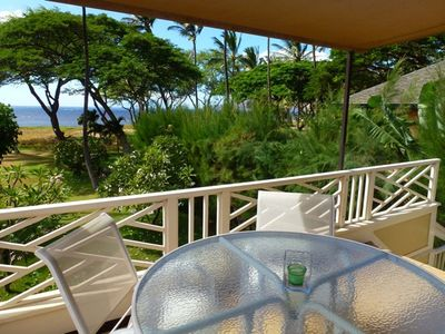 Great outside lanai.  Seating for 4 with gas BBQ.  Amazing sunset location!