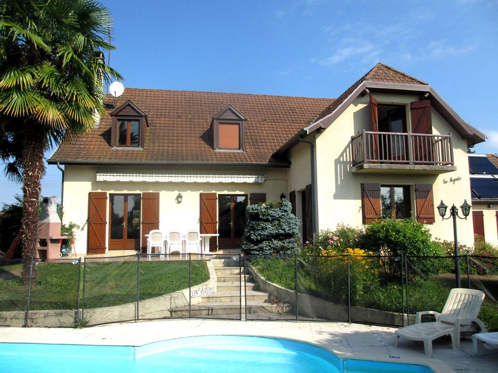 House near the beach, 200 square meters, great guest reviews
