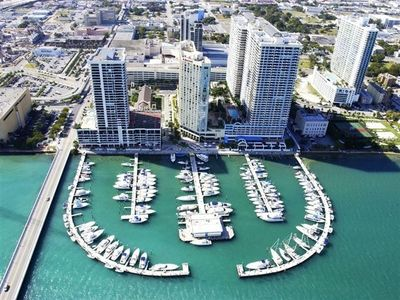 World-Class Marina  adjacent to the complex.  Geat Boat Show location!