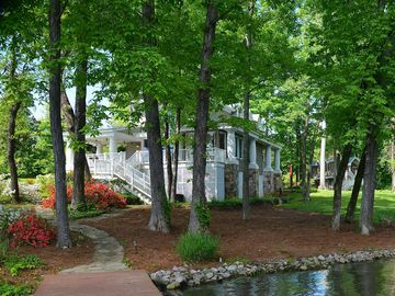 Guntersville Lake cottage rental