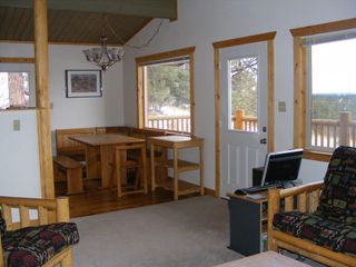Florissant cabin photo - Dining area