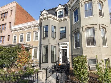 Capitol Hill townhome rental
