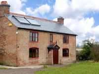 CANAL COTTAGE, family friendly, with a garden in Whixall, Ref 2803