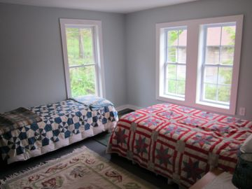 Another bedroom with 2 twin beds.
